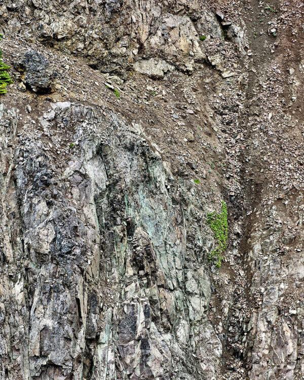APPLE BAY (Industrial Minerals)